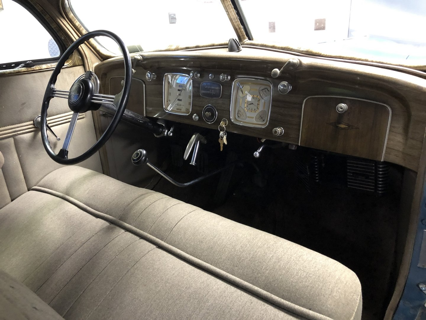 1937 CHRYSLER AIRFLOW COUPE For Sale (picture 4 of 6)