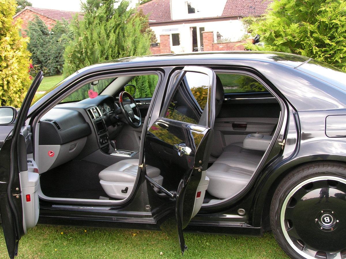 2005 chrysler 300c brabus hemi V8 auto. 22 inch alloys. For Sale (picture 4 of 6)