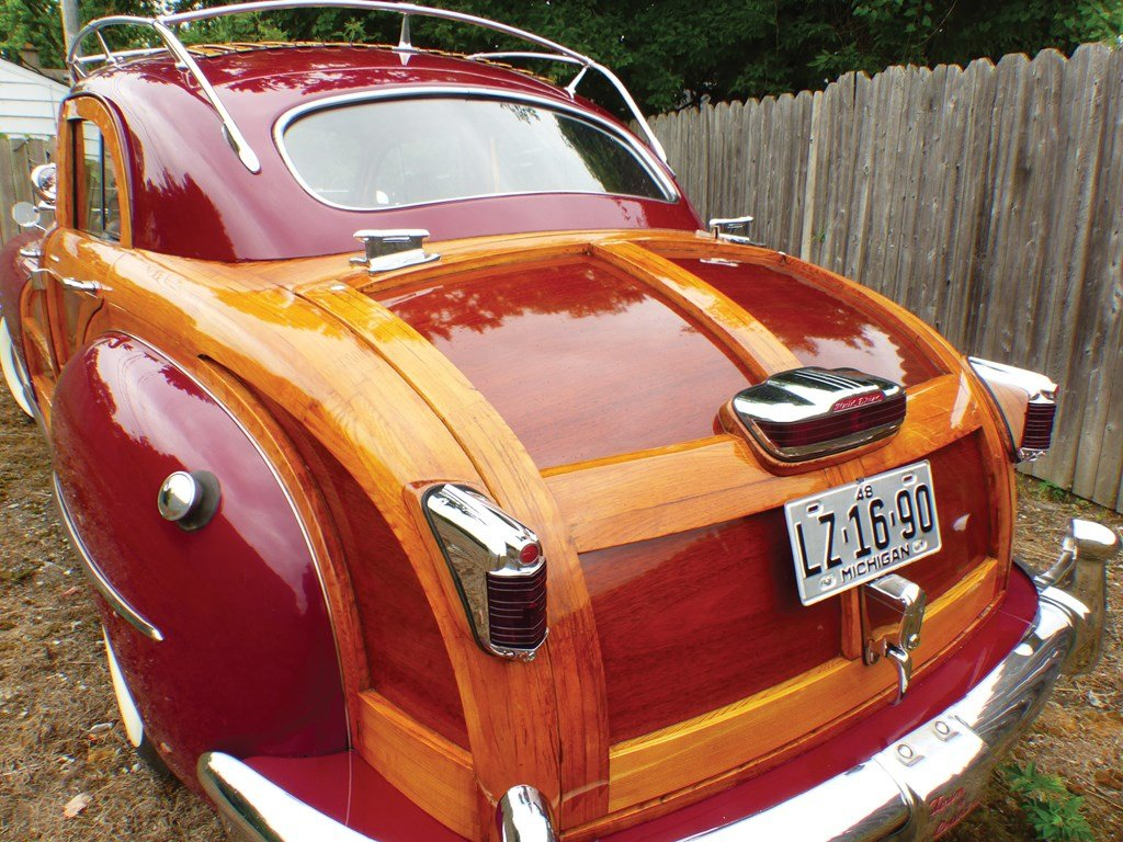1948 Chrysler Town and Country Sedan  For Sale by Auction (picture 2 of 4)