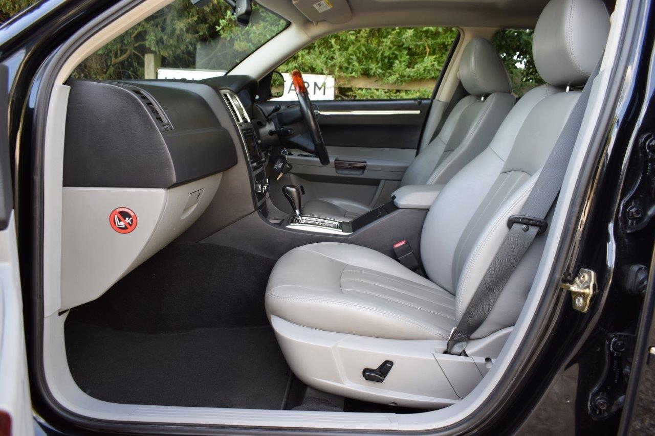 2006 Chrysler 300C 5.7i V8 HEMI Tourer Automatic  SOLD (picture 6 of 6)