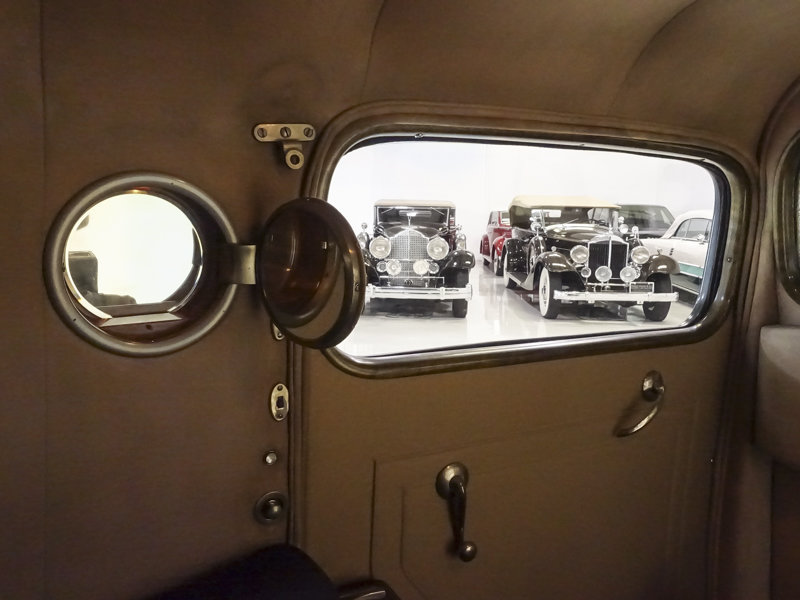 1938 Chrysler Custom Imperial Town Limousine by LeBaron For Sale (picture 4 of 6)