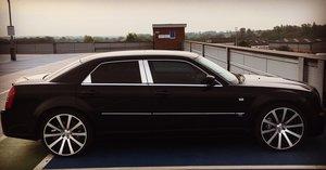 2006 Chrysler 300c SRT-8 6.1 V8 Auto Saloon – 13k miles