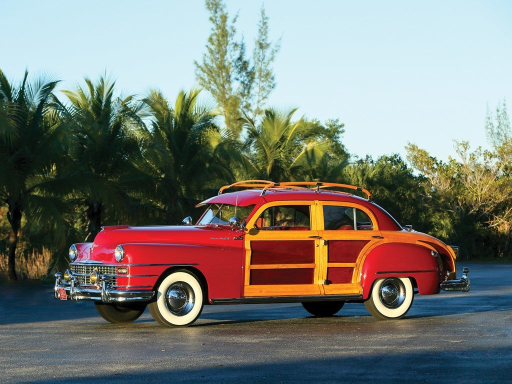 1947 Chrysler Town and Country Sedan  For Sale by Auction (picture 1 of 6)