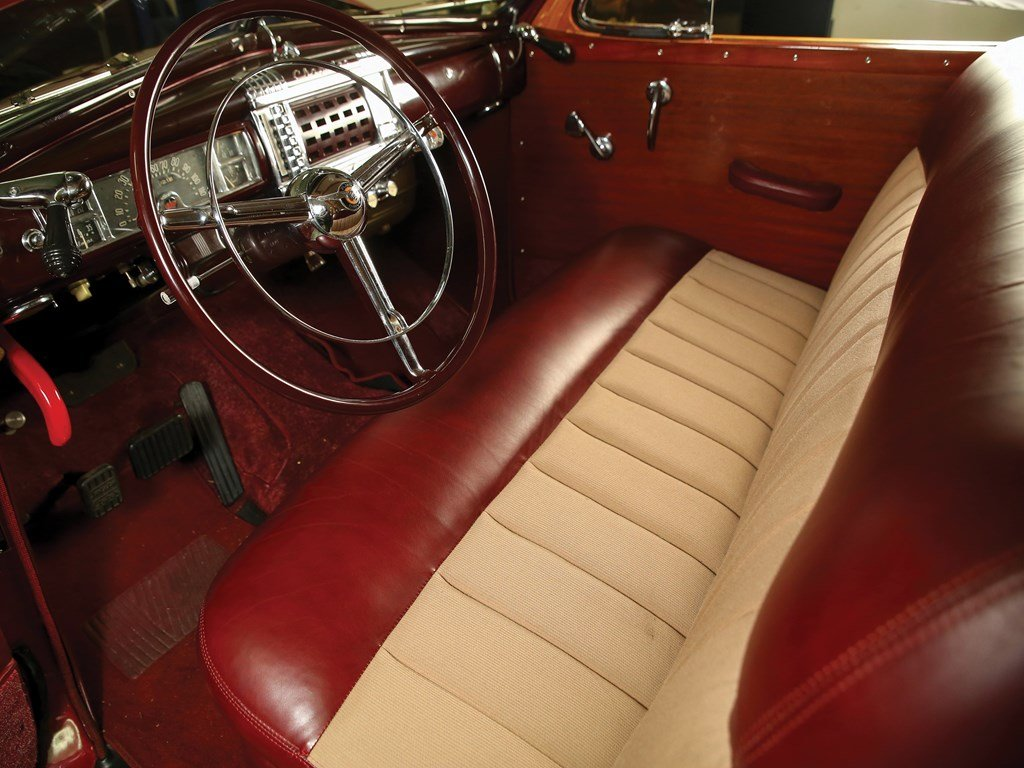 1947 Chrysler Town and Country Sedan  For Sale by Auction (picture 4 of 6)
