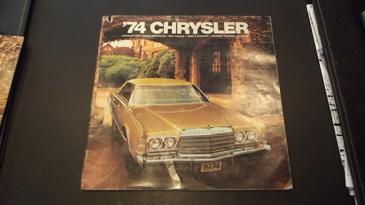 0000 CHRYSLER VARIOUS ORIGINAL FACTORY SALES BROCHURES For Sale (picture 5 of 6)