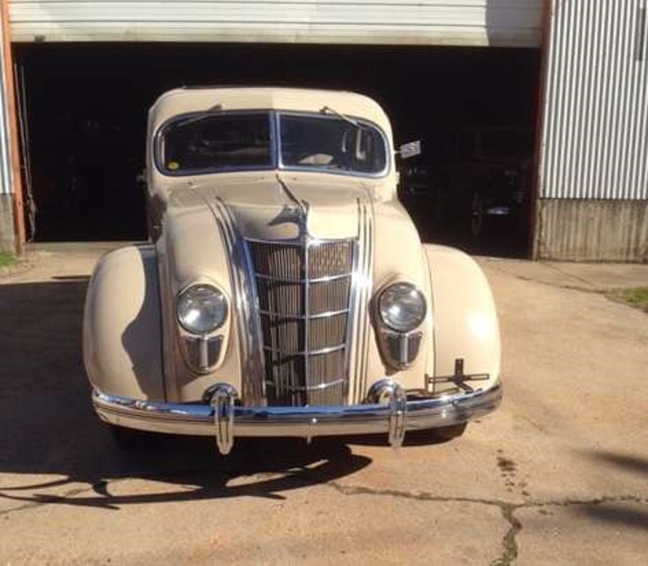 1935 Chrysler Airflow 4DR Sedan For Sale (picture 3 of 6)