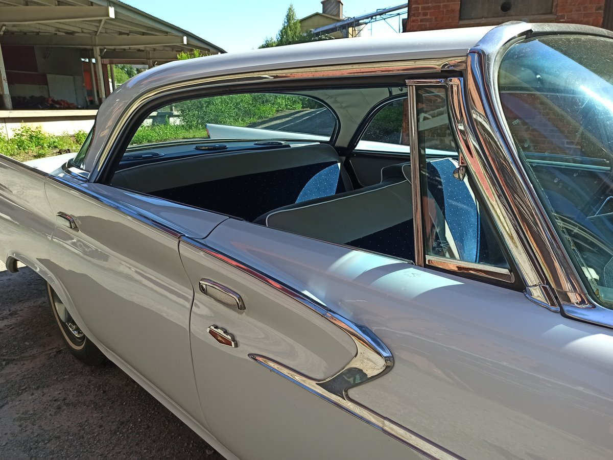 1961 Chrysler Newport 4D pillarless hardtop  For Sale (picture 2 of 6)