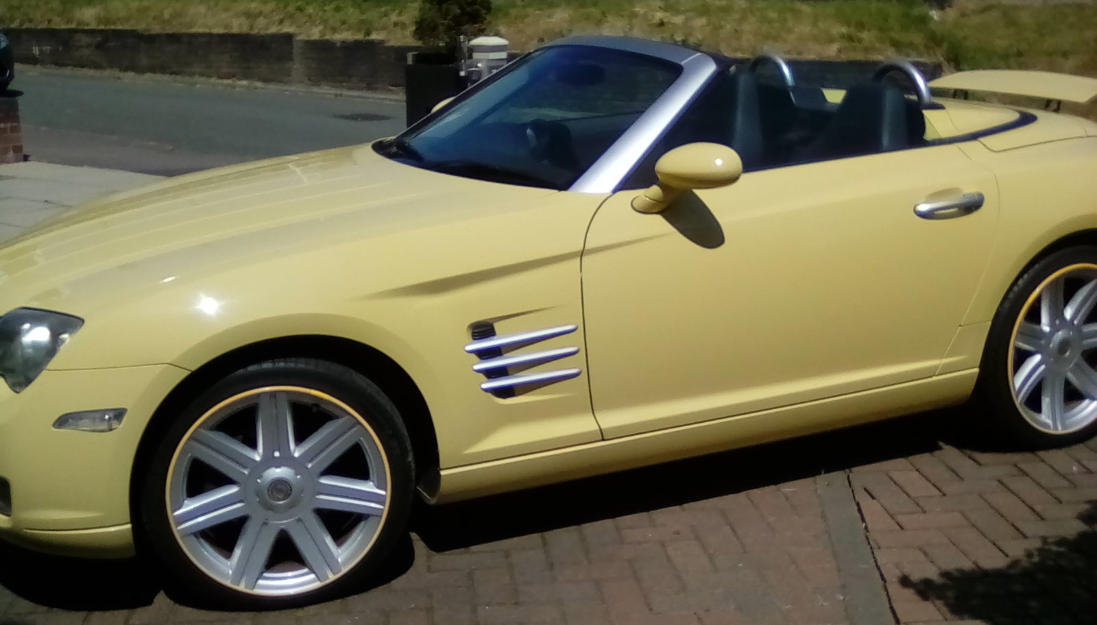 2007 Chrysler Crossfire convertible For Sale (picture 5 of 6)