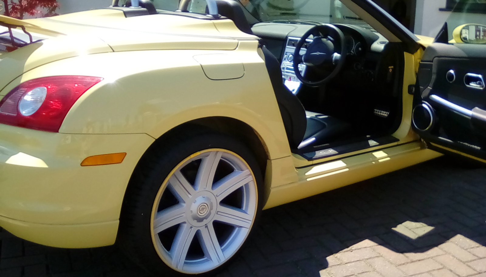 2007 Chrysler Crossfire convertible For Sale (picture 6 of 6)