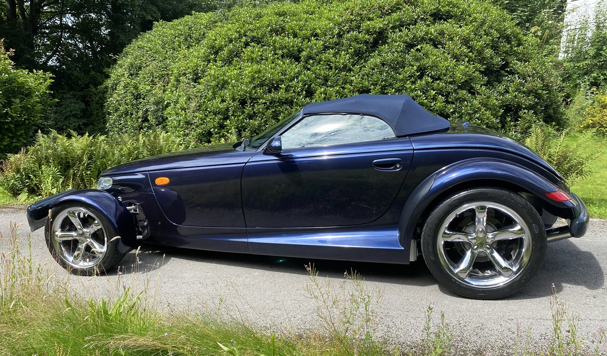 2001 CHRYSLER PROWLER - HIGHLY DESIRABLE FINAL EDITION SOLD (picture 4 of 6)