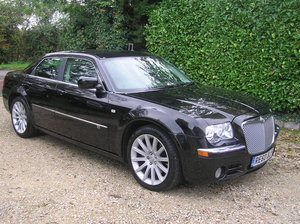 Picture of 2010 Chrysler 300C 3.0 CRD V6 SRT Design 4dr