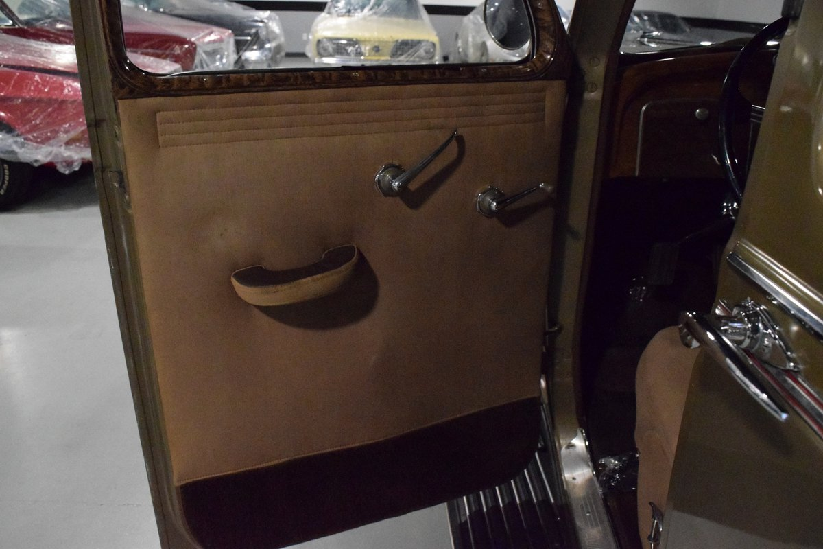 1936 Chrysler Imperial Airflow For Sale (picture 3 of 12)