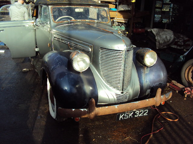 1938 CHRYSLER royal CONVERT BARN FIND  VERY SOLID RHD RUNS WELL For Sale (picture 2 of 12)