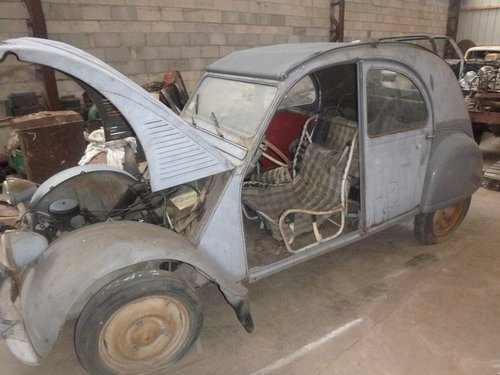 1951 2CV citroen For Sale (picture 2 of 6)