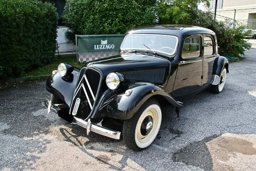 1953 TRACTION AVANT 11B SOLD (picture 1 of 6)
