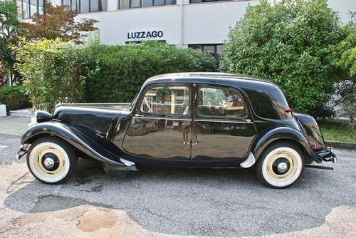 1953 TRACTION AVANT 11B SOLD (picture 2 of 6)