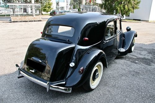 1953 TRACTION AVANT 11B SOLD (picture 3 of 6)