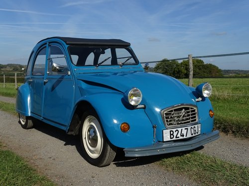 Brilliant 1985 Citroen 2CV, lowered and  SOLD (picture 2 of 6)