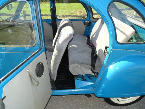Brilliant 1985 Citroen 2CV, lowered and  SOLD (picture 6 of 6)