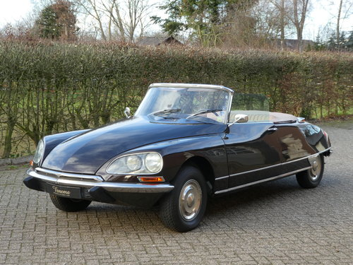 1973 Citroen DS Convertible Chapron SOLD (picture 1 of 6)