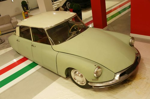 1956 Citroën DS 19 No reserve For Sale by Auction (picture 2 of 3)