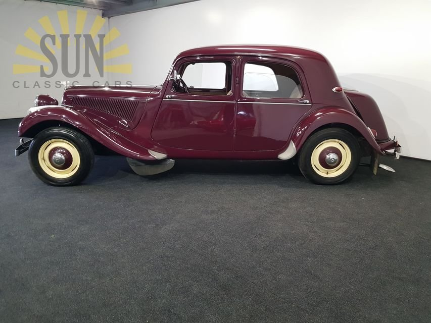 Citroen Traction Avant 1955 Burgundy red For Sale (picture 2 of 6)