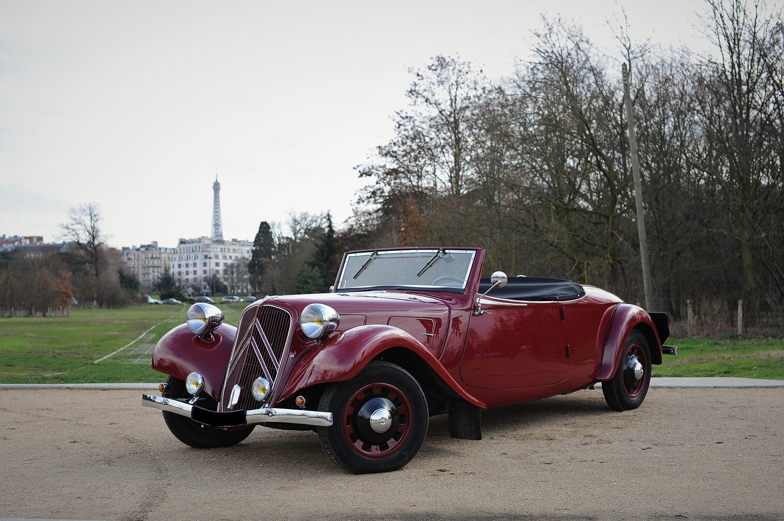 1938 – Citroën Traction 11 B Cabriolet For Sale by Auction (picture 1 of 5)