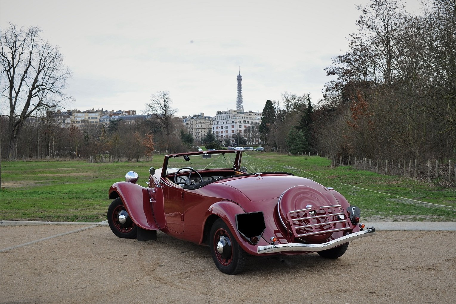 1938 – Citroën Traction 11 B Cabriolet For Sale by Auction (picture 2 of 5)