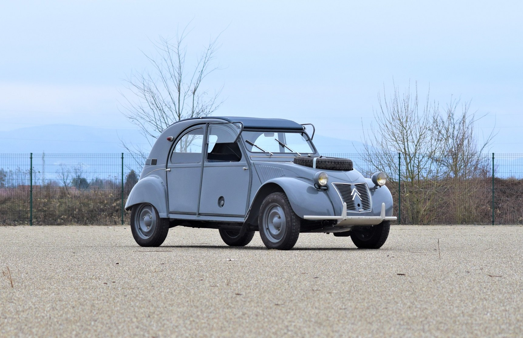 1961 - Citroën 2CV Sahara For Sale by Auction (picture 1 of 5)