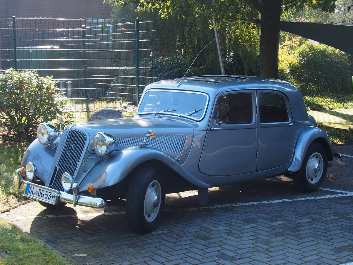 1954 Traction Avant Big 6 For Sale (picture 1 of 2)