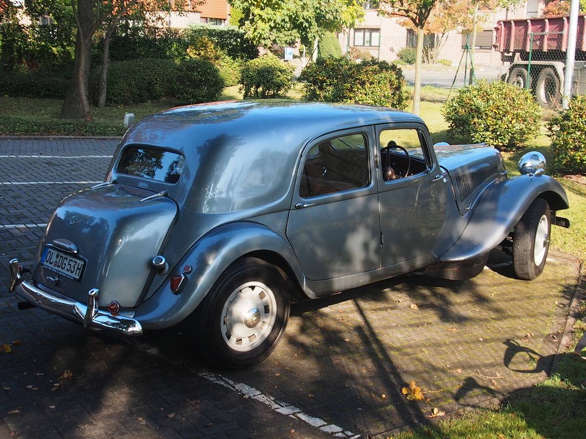 1954 Traction Avant Big 6 For Sale (picture 2 of 2)