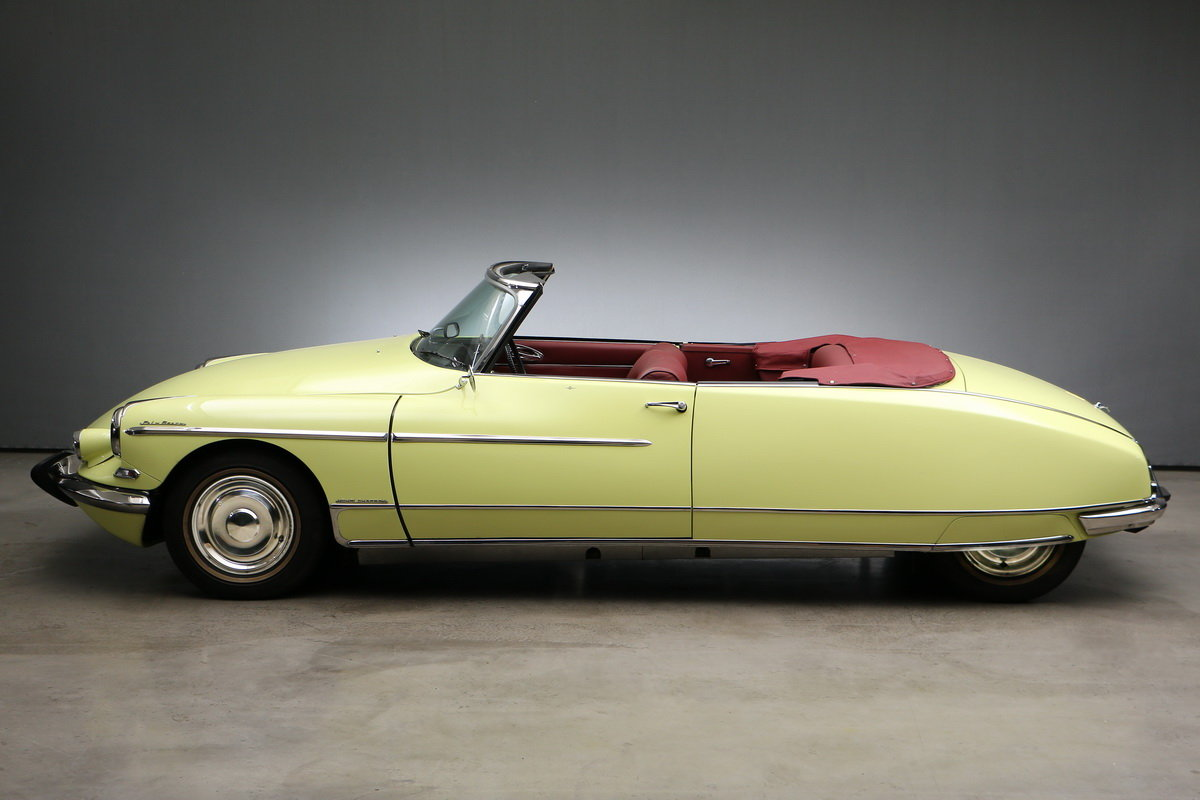 1969 Citroen DS Convertible Palm Beach For Sale (picture 2 of 6)