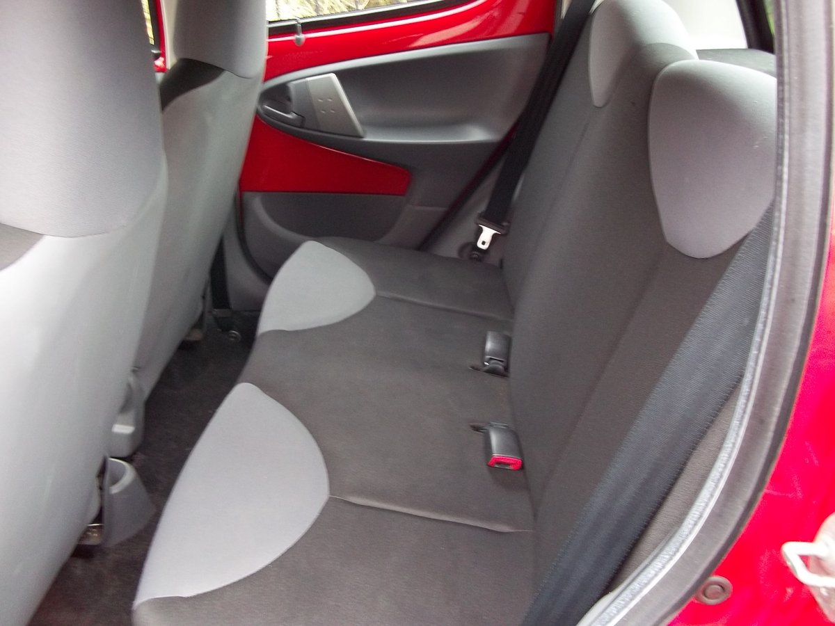 2011 Citroen C1 1.0 VTR For Sale (picture 3 of 4)