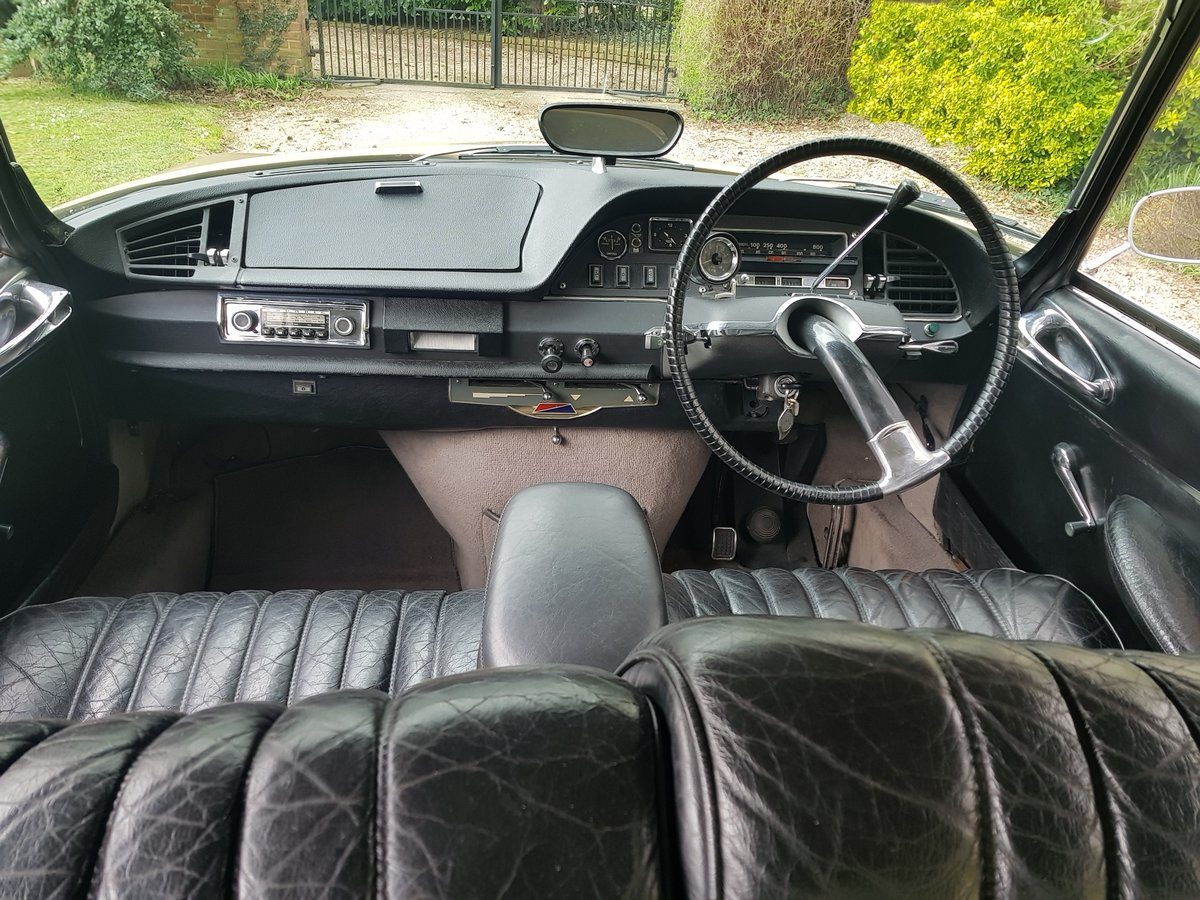 CITROEN DS 21 PALLAS 1969 - RIGHT HAND DRIVE For Sale (picture 2 of 6)