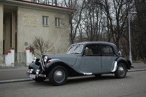 1951 Citroen Traction Avant 11 BL Malle Plate Legere