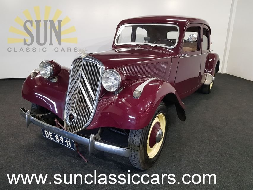 Citroen Traction Avant 1955 Burgundy red For Sale (picture 1 of 6)