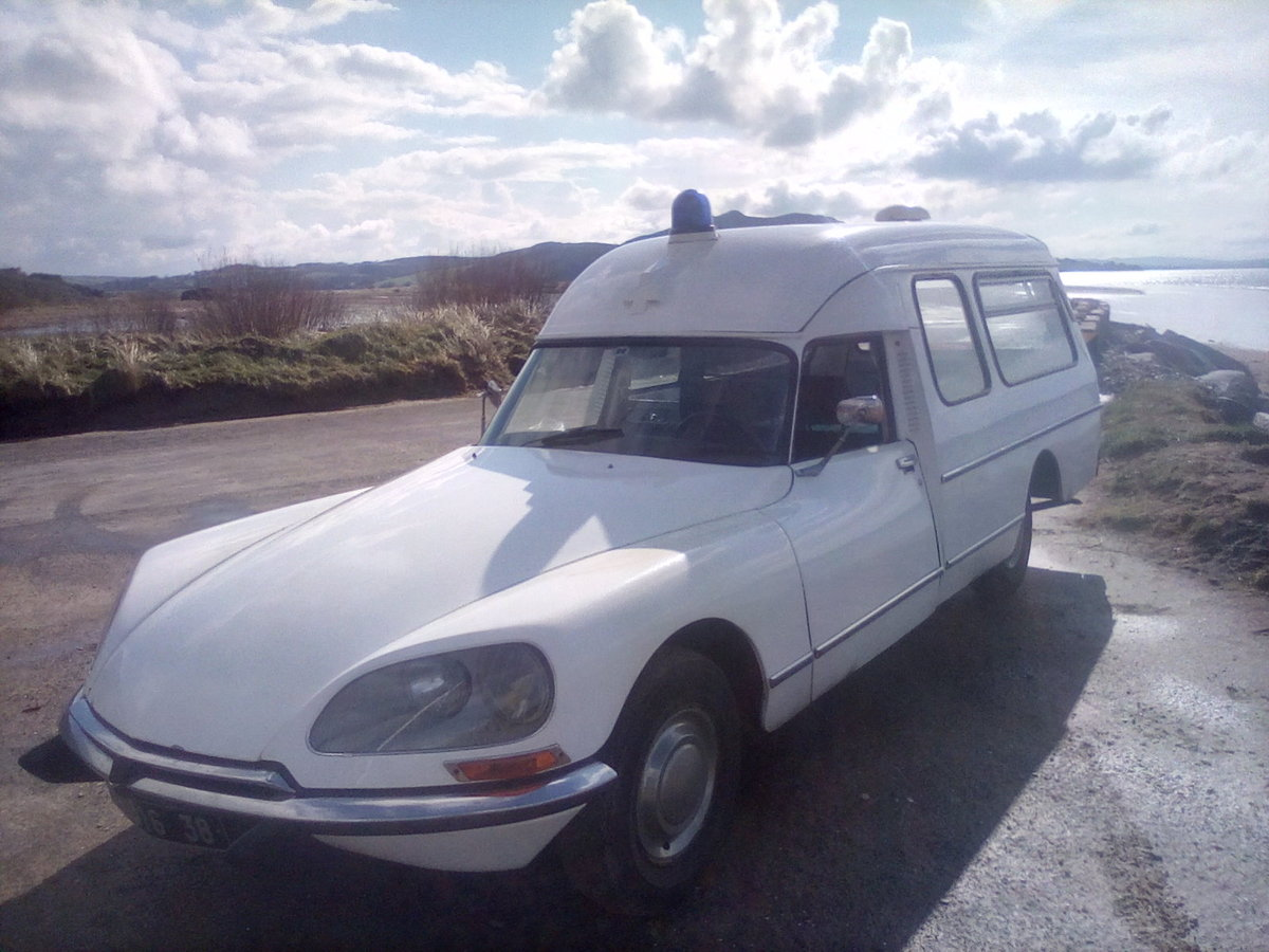 1975 Citroen DS Ambulance For Sale (picture 2 of 6)
