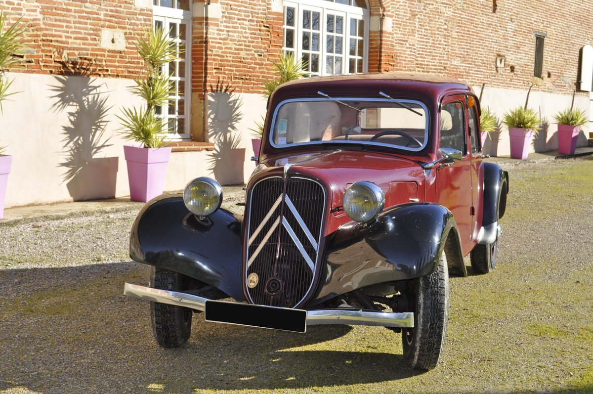 CITROËN TRACTION 7C/11 - 1938 SOLD by Auction (picture 2 of 6)