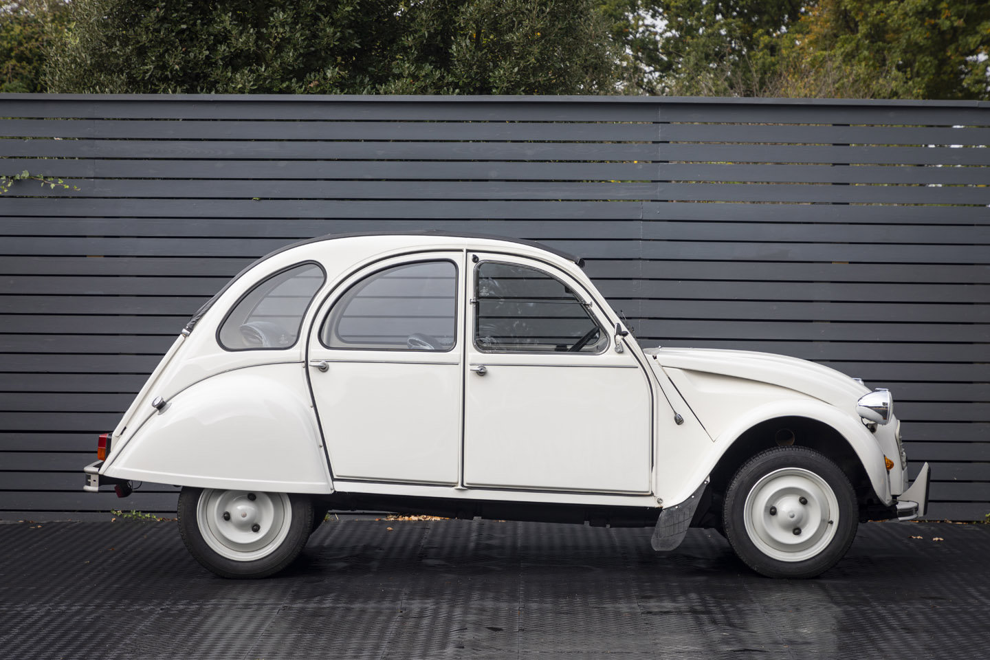 1988 Citreon 2CV CLUB LHD SOLD (picture 3 of 23)