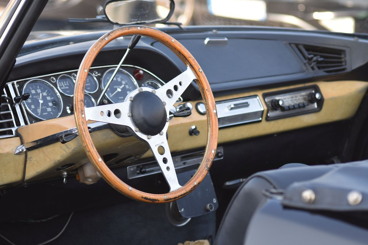 1966 Citroën DS 21 Cabriolet by Bossaert For Sale by Auction (picture 4 of 5)