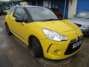 2010 D3 in yellow with black lether trim RECENT MOT SMART LOOKER For Sale