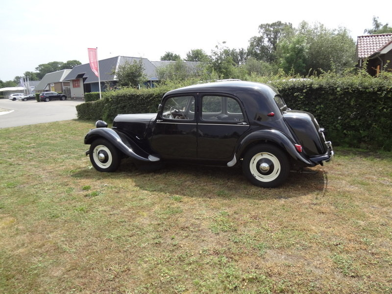 1956 Citroen Traction Avant 11BL  SOLD (picture 3 of 6)