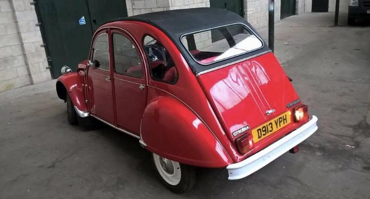 1986 Beautiful Red 2CV For Sale (picture 4 of 6)