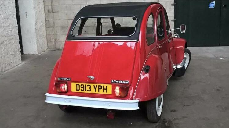 1986 Beautiful Red 2CV For Sale (picture 5 of 6)