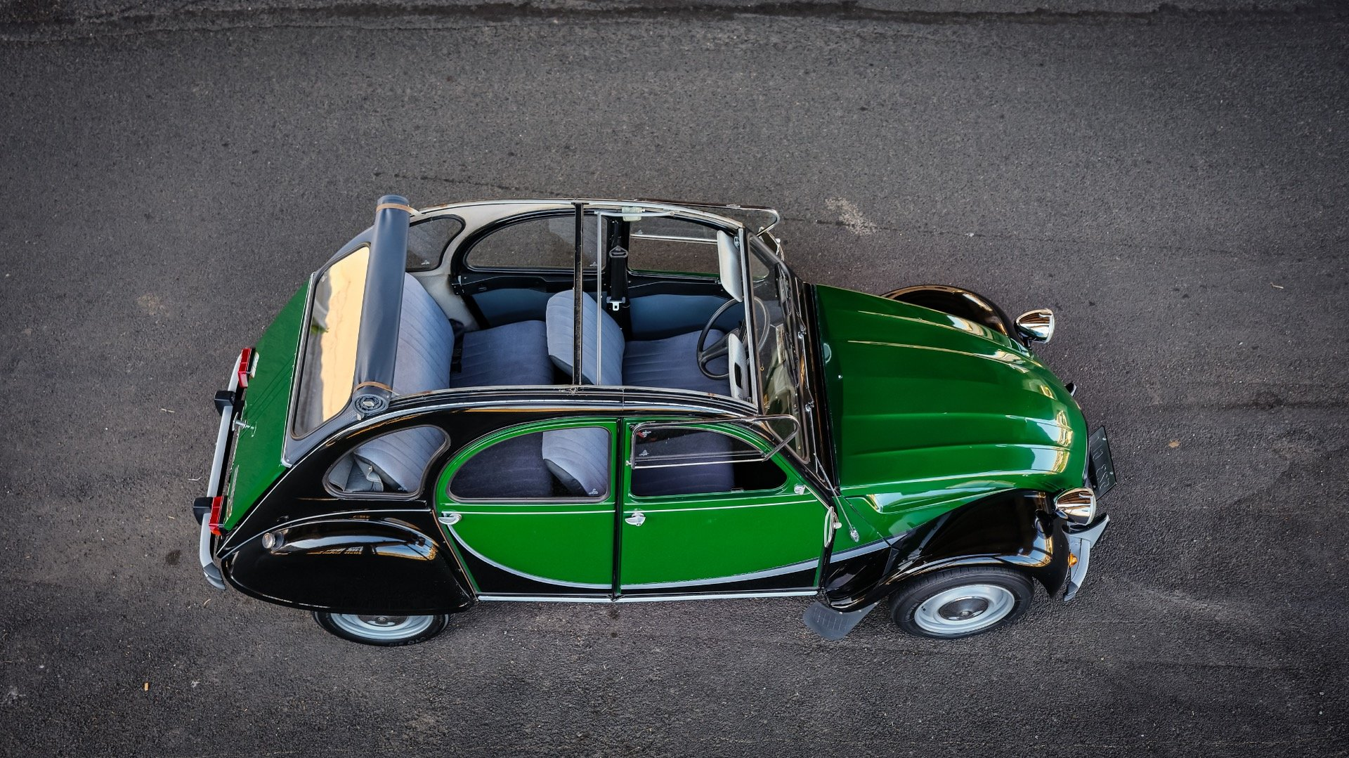 1965 Citroen 2CV Charleston = Go Green(~)Grey Clean $17k  For Sale (picture 2 of 6)