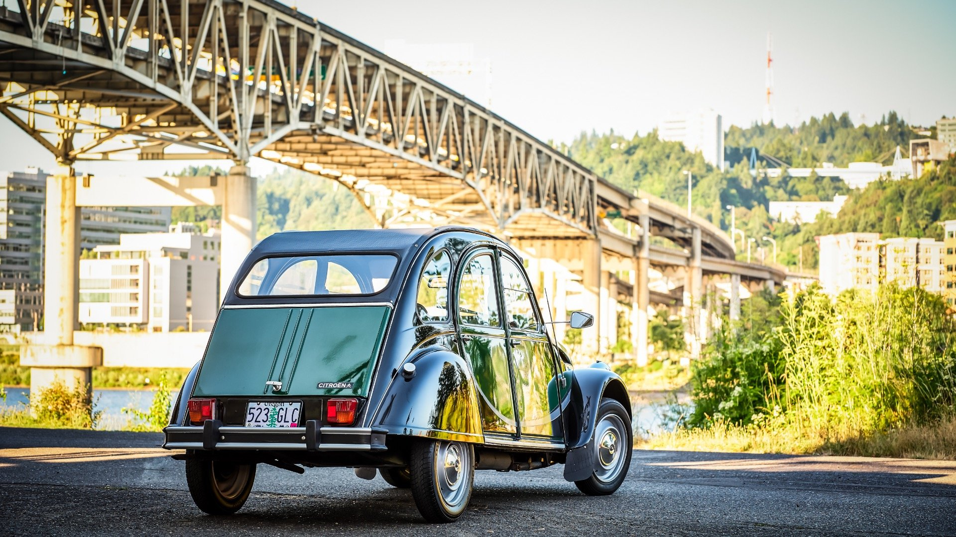 1965 Citroen 2CV Charleston = Go Green(~)Grey Clean $17k  For Sale (picture 3 of 6)