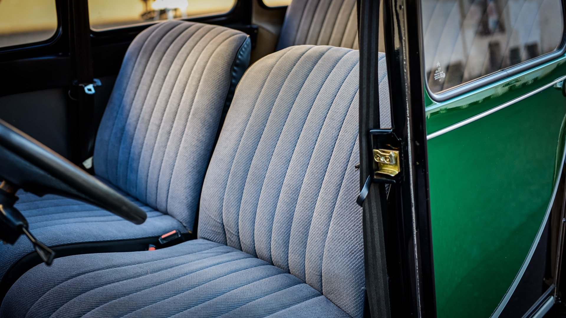 1965 Citroen 2CV Charleston = Go Green(~)Grey Clean $17k  For Sale (picture 4 of 6)