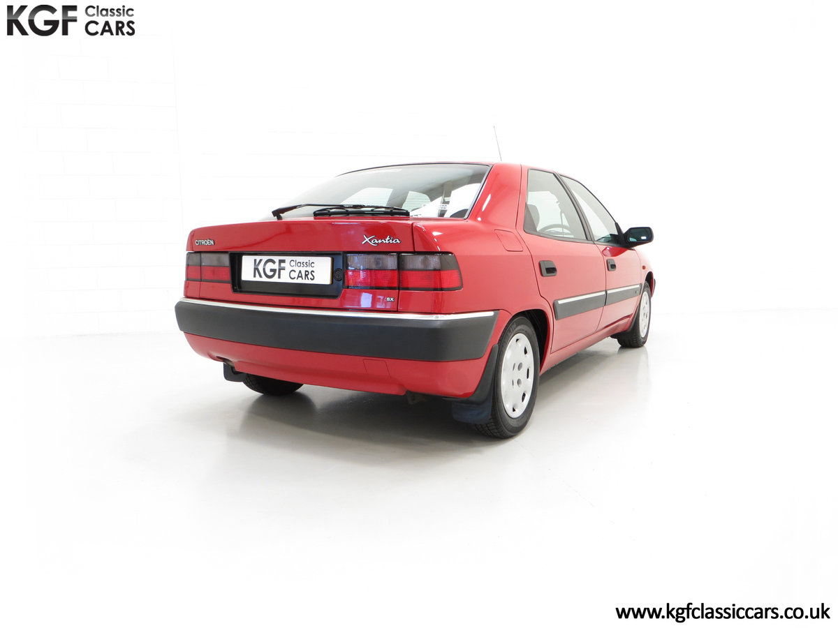 1994 A Rare Phase 1 Citroen Xantia 2.0i SX with 21,806 Miles. For Sale (picture 5 of 6)