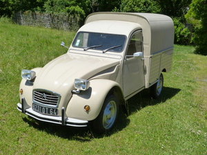 1976 Citroen 3cv in pristine condition For Sale