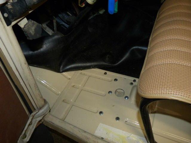 1976 Citroen 3cv in pristine condition For Sale (picture 6 of 6)